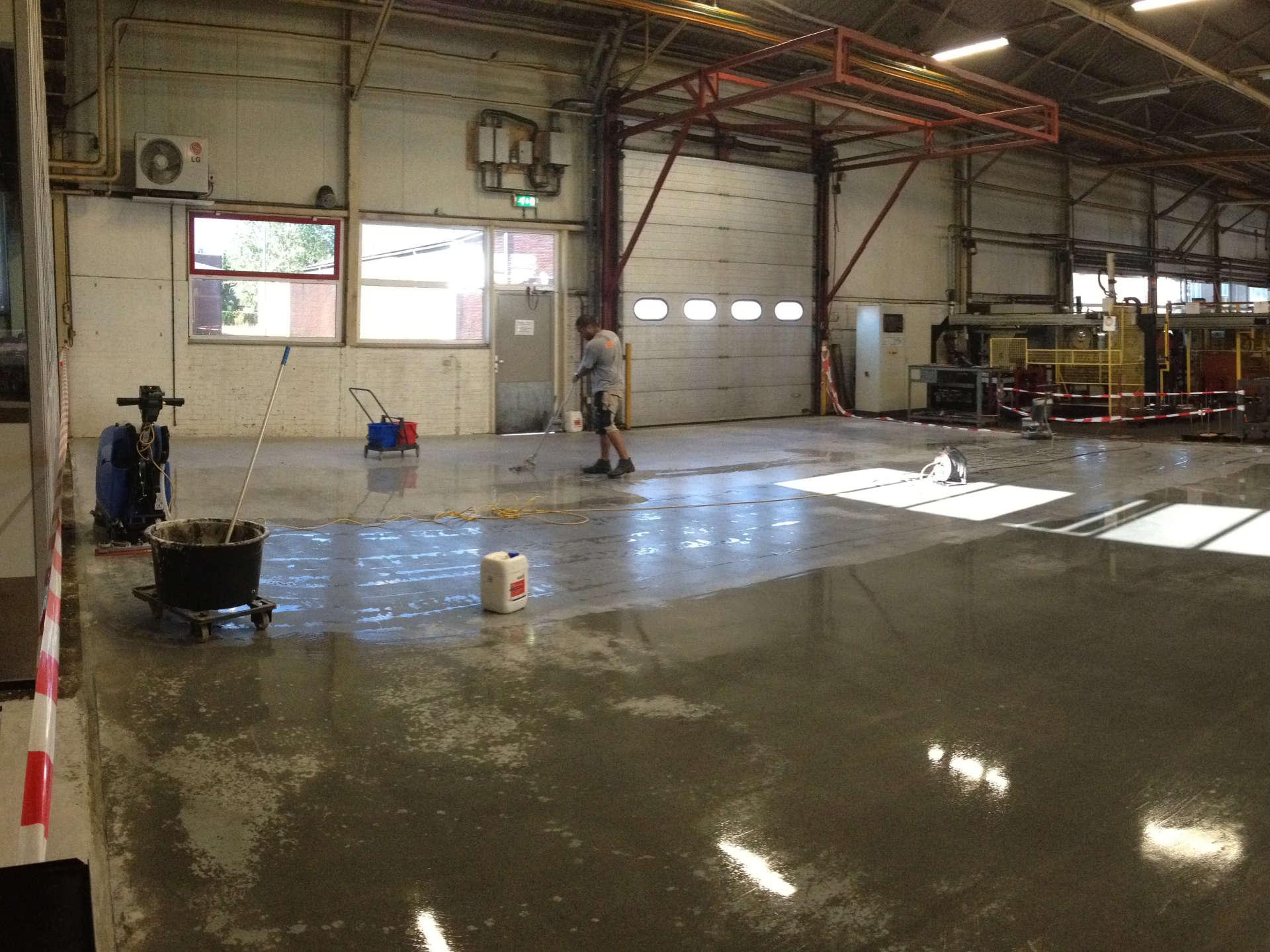 Inboenen stofbinder betonvloer